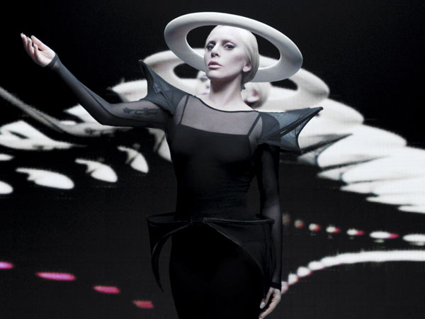 5 Gaya Paling Nyentrik dari 'Mother Monster' Lady Gaga