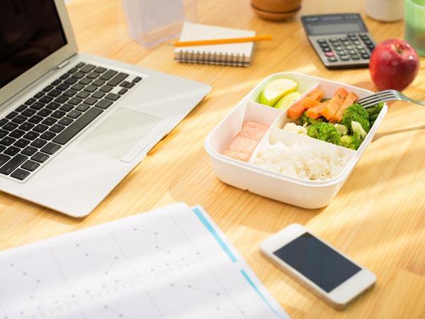 Kenali Makanan-makanan yang 'Dilarang' Dijadikan Menu Bekal Makan Siang