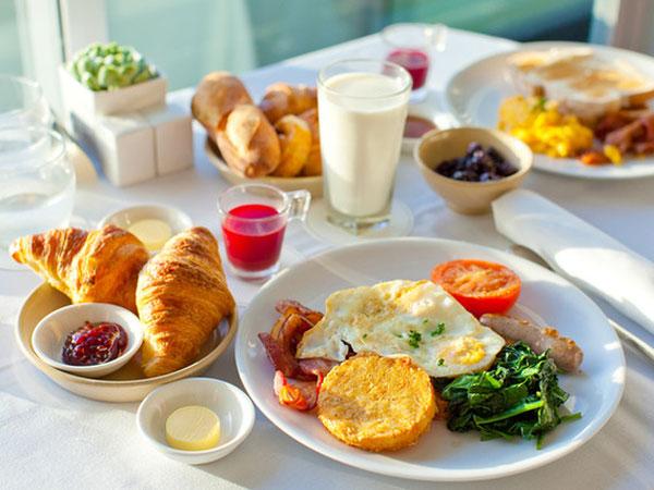 Yuk, Santap Makanan Ini Saat Sarapan Agar Produktif Seharian!