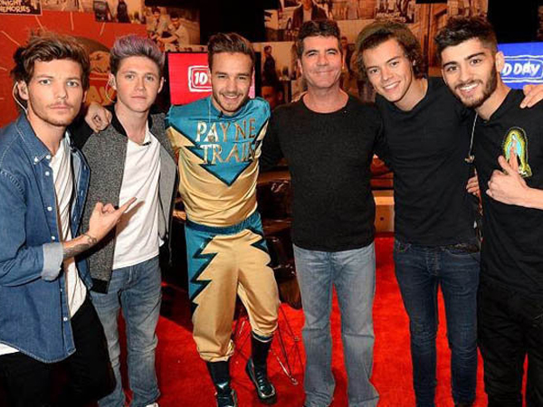 Simon Cowell Batal Bubarkan One Direction?