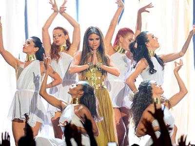 Duh, Penampilan Selena Gomez Kembali Dikritik Umat Hindu!