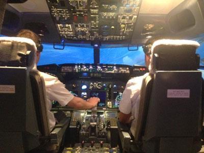 Wow, Pria ini Bangun Simulator Boeing di Kamar