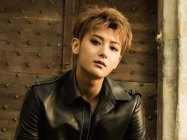 Mantan Personil EXO, Tao Dikabarkan Berkencan Dengan Perempuan Asal Korea Selatan