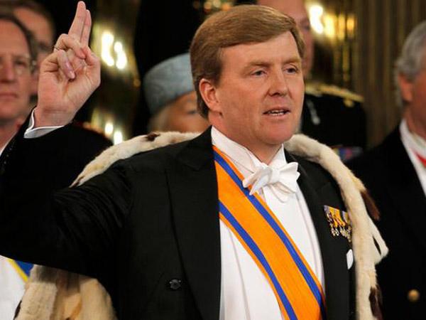 Tak Diketahui Penumpang, Diam-Diam Raja Belanda Jadi Ko-Pilot Maskapai Selama 21 Tahun!