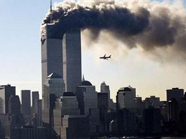 Momen Mencekam Hingga Kisah Cinta Mengharukan di Detik-detik Tragedi WTC 9/11 di Peringatan 18 Tahun