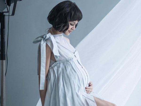 Pilih Metode Water Birth, Andien Sambut Kelahiran Anak Pertamanya!