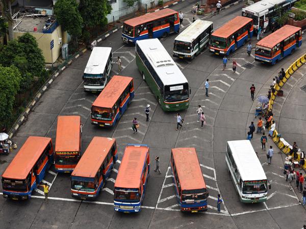 Mulai Besok, Tarif Angkutan Umum dan Taksi di Jakarta Turun