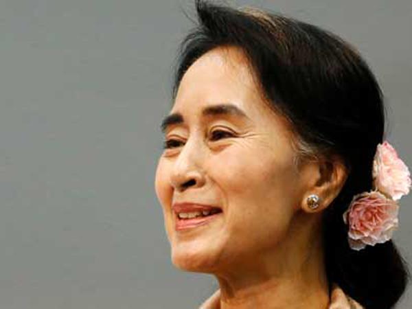 Abaikan Muslim Rohingya, Aung San Suu Kyi Mulai Dikucilkan Dunia