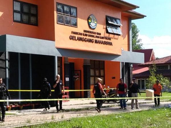 Gila, Terduga Teroris Universitas Riau Pernah Uji Coba Ledakkan Bom di Kampus?