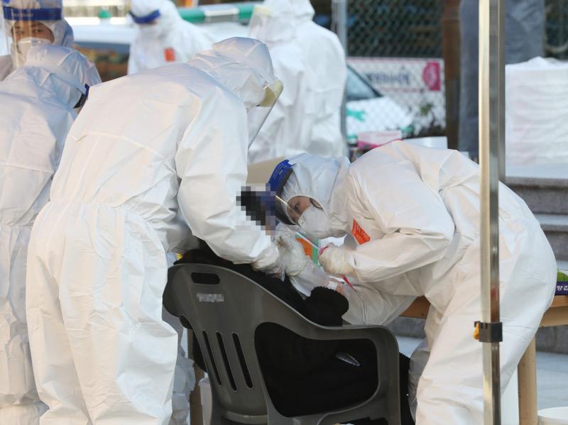 Gelombang Ketiga, Infeksi Baru Covid-19 di Korsel Capai Ribuan Kasus Per Hari