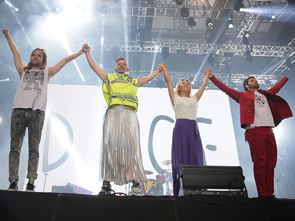 Serunya Penampilan 'Hiperaktif' DNCE di Festival Musik 'Spotify On Stage' Jakarta!