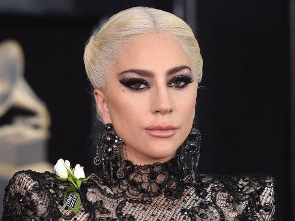 Alami Sakit Parah, Lady Gaga Sampai Batalkan 10 Lokasi Tur Dunianya!