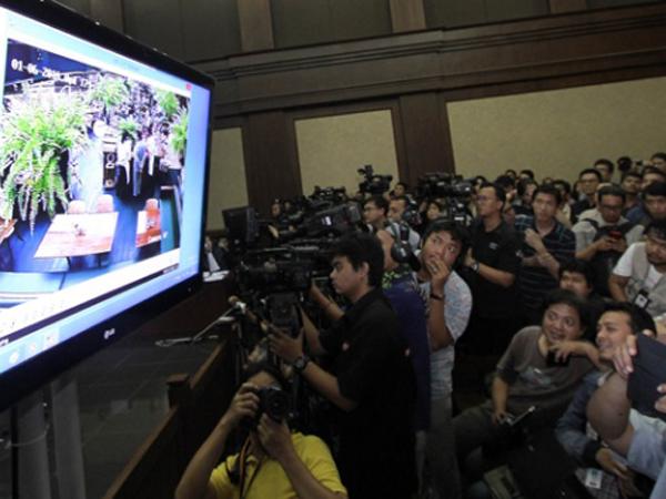 Sempat Gatal-Gatal, Ini Yang Terjadi Pada Mirna dan Jessica Sianida Menurut Rekaman CCTV Olivier
