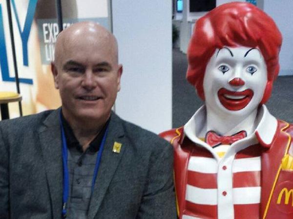 Berat Badan Turun 28 kg Karena McDonald's, Pria Ini Langsung Dijadikan Brand Ambassadornya!