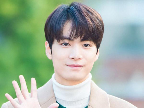 Jonghyun NU'EST Batalkan Seluruh Jadwal Usai Dilarikan ke Rumah Sakit
