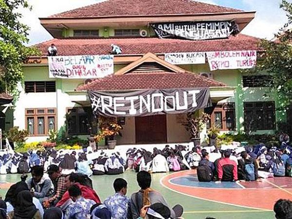 Siswa SMAN 2 Malang Demo Kepsek Habis yang Ucap 'Anak Setan' hingga Halangi Ibadah