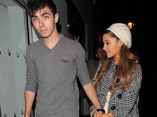 Nathan Sykes akan Nyanyikan Lagu Tentang Putus dari Ariana Grande di Album Solonya?
