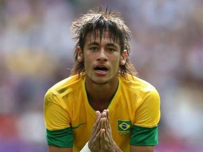 Ingin Sukses, Neymar Harus Imbangi Messi