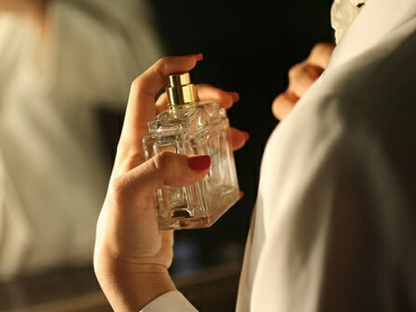 Selain Leher, Ternyata Parfum Lebih Tahan Lama Jika Disemprotkan ke Bagian Tubuh Ini