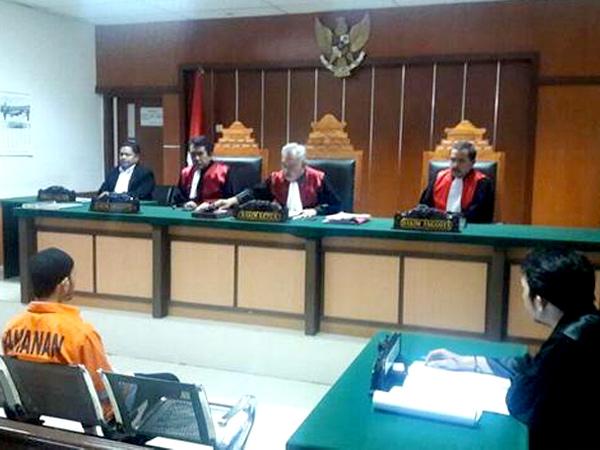 Pelaku Teroris Bom Thamrin Dituntut 6 Tahun Penjara