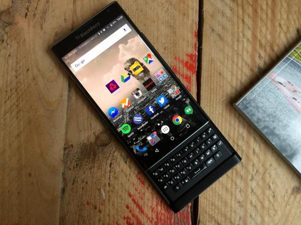 Setelah Priv, Blackberry Akan Jual Ponsel Android Kelas Menengah Tahun 2016