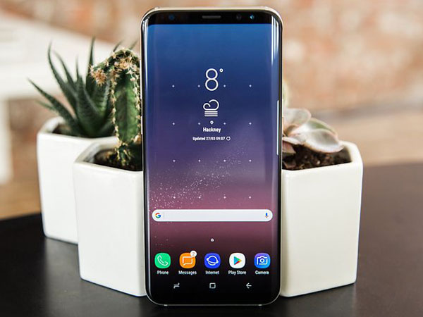 Tak Hanya Kiri dan Kanan, Samsung Bakal Buat 4 Sisi Galaxy S9 Melengkung?