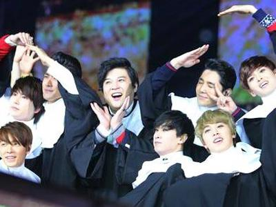 Tengok Kocaknya Penampilan Spesial Super Junior di SMTOWN Week