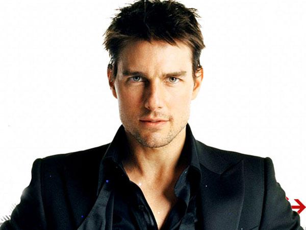 Duh, Tom Cruise Nekat Diikat Diluar Pesawat Demi 'Mission Impossible V'!