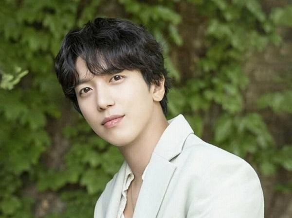 Yonghwa CNBLUE Pertimbangkan Bintangi Drama Korea Disney Plus