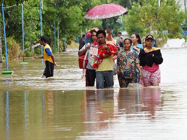 Sering Terkena Air Banjir? Ini Penyakit Kulit yang Dapat Mengintai Serta Cara Mencegahnya
