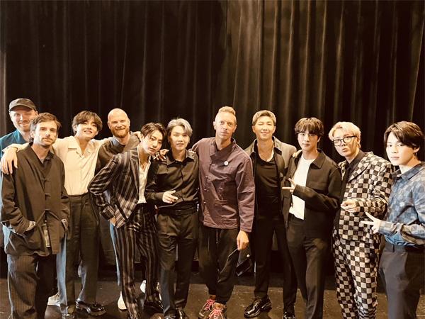 Beda Skill, Chris Martin Coldplay Puji Musikalitas BTS