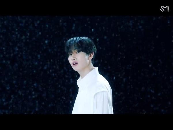 Eunhyuk Bertemu Dirinya yang Masih Kecil di MV 'Be'