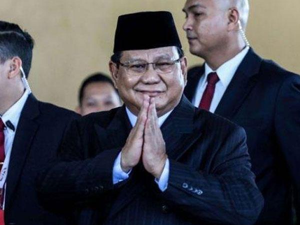 Fakta Mengejutkan Terbaru Menhan Prabowo: Tak Ambil Gaji hingga Renovasi Ruang Kerja Pakai Uang Sendiri!