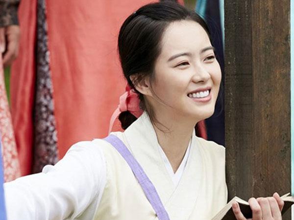 Disebut Penyebab Gagalnya Drama 'Hwarang', Begini Tanggapan Santai Go Ara