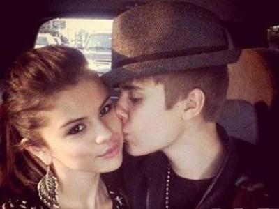 Justin Bieber Ceritakan First Kiss-nya dengan Selena Gomez