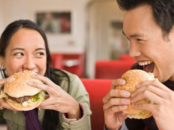 Mengunyah Makanan Harus 32 Kali, Mitos Atau Fakta?