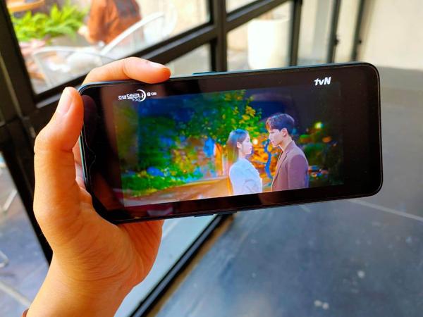 Cara Nonton Drama Favorit Lewat Smartphone Tanpa Gangguan