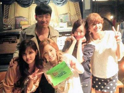 Member Girls' Generation Kunjungi Sooyoung di Set dramanya