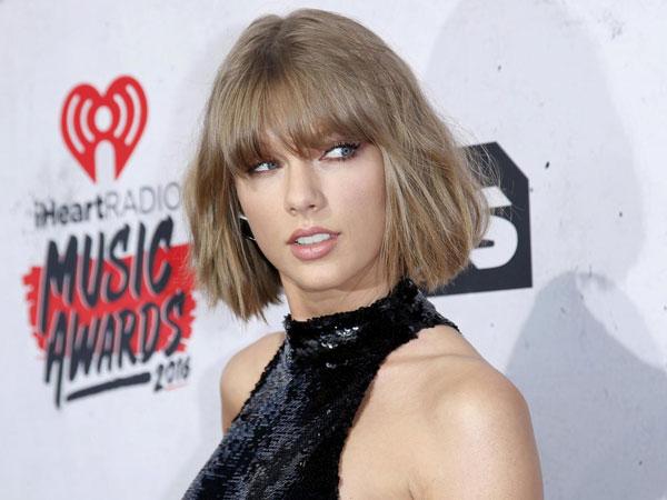 Hubungannya Kali Ini Luput Dari Media, Ini Cara Taylor Swift Kencan Diam-Diam!