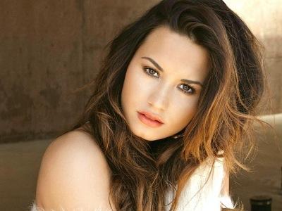 Ceritakan Masa Kelamnya, Demi Lovato Ucapkan Terimakasih Pada Fans!