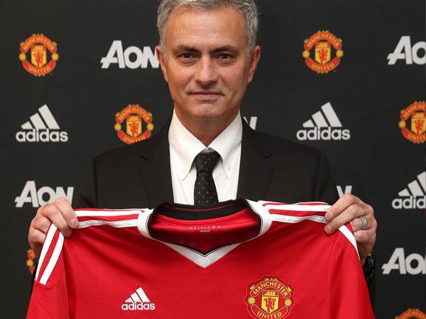 Resmi Jadi Pelatih Manchester United, Jose Mourinho Ingin Balas Dendam ke Chelsea