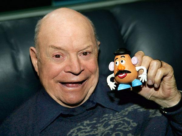 Komedian Legendaris Sekaligus Pengisi Suara Mr Potato Head 'Toy Story' Meninggal Dunia
