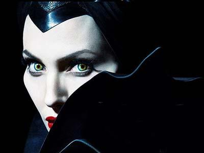 Hiii.. Seramnya Nyanyian Penyihir Ala Angelina Jolie di Film 'Maleficent'!