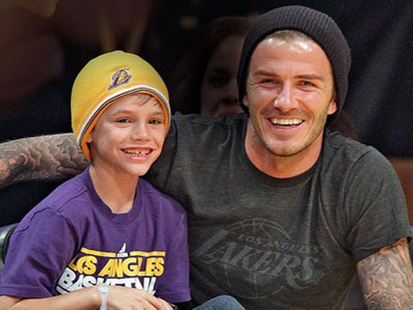 Yuk, Intip Aksi Anak David Beckham Saat Jadi Model Iklan!