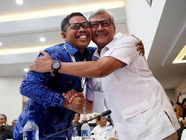KPU Umumkan Rekapitulasi Pemilu 2019, Nampak Pemandangan 'Adem' TKN-BPN Berpelukan