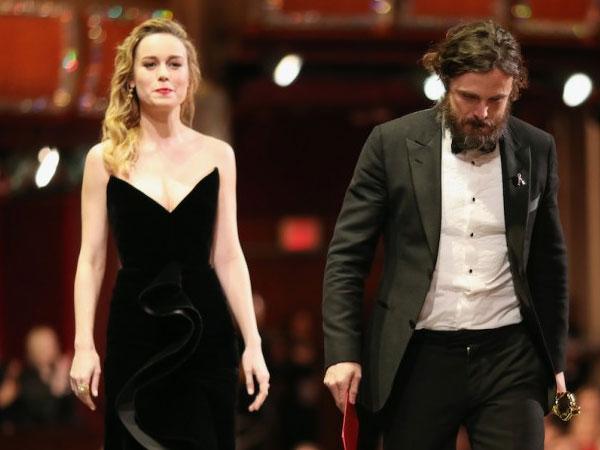 Penyebab Aktris Ini Ogah Tepuk Tangan dan Terlihat Muram saat Beri Piala Oscar untuk 'Aktor Pemeran Utama Terbaik'