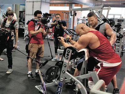 Generation Iron, Film Arnold Ungkap Kehidupan Binaragawan