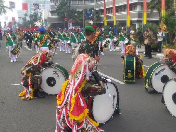 Kemeriahan Pawai Seni di Bandung Saat Peringati Hari Kelahiran Pancasila