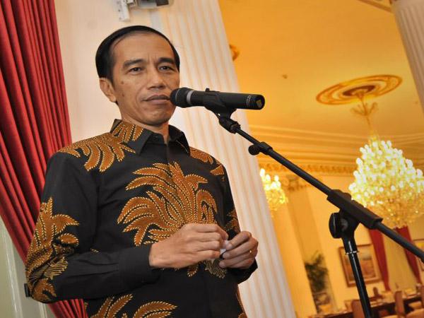 Jokowi: Keluarga Miskin Lebih Pilih Beli Rokok Daripada Belanja Makanan Bergizi