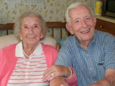 Wow, Kakek 105 Tahun Akhirnya Bisa Lulus SMA